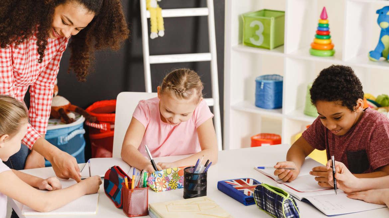 Comment peut-on stimuler l'enfant à apprendre plusieurs langues